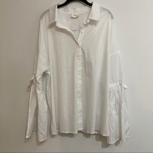 Everly shirt size 2X white new sample button front